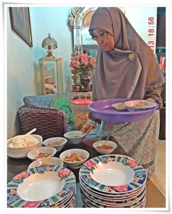 Disuguhi makan malam soto Betawi padahal sedang di Jogja