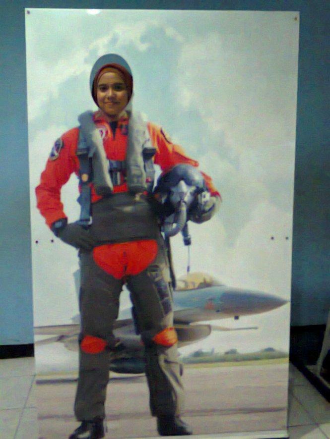 Pilot wanita. haha